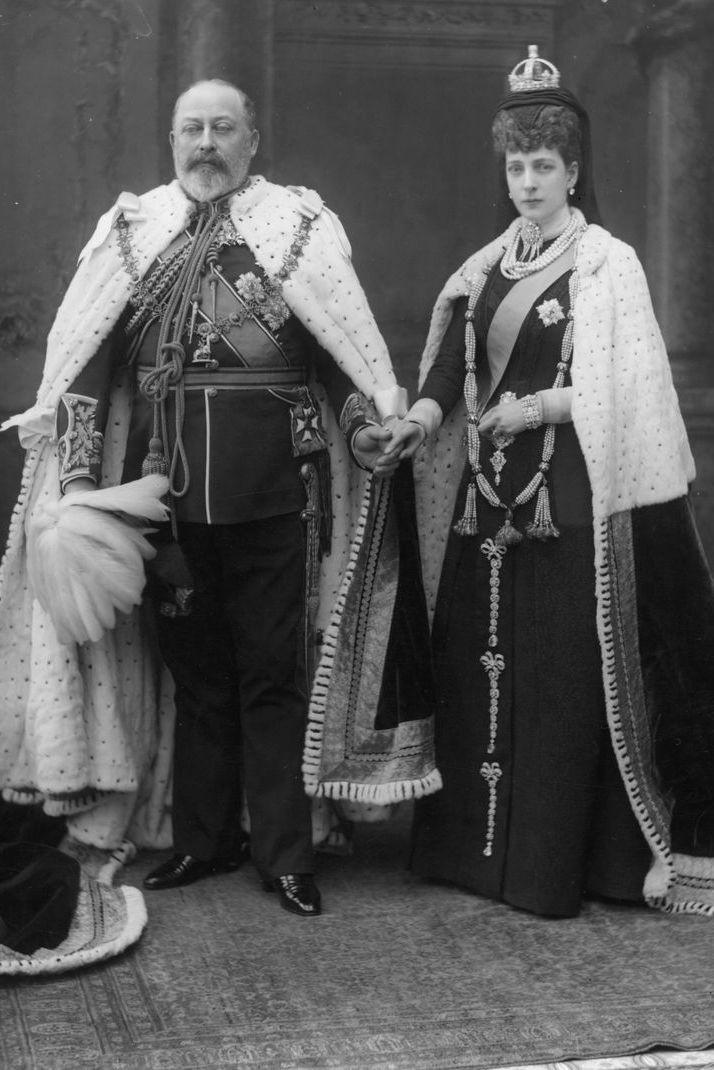 Xem 25 bức ảnh chân dung của Hoàng gia Anh, bạn sẽ hiểu thêm về 8 thế hệ của gia đình quyền lực này - Ảnh 2.