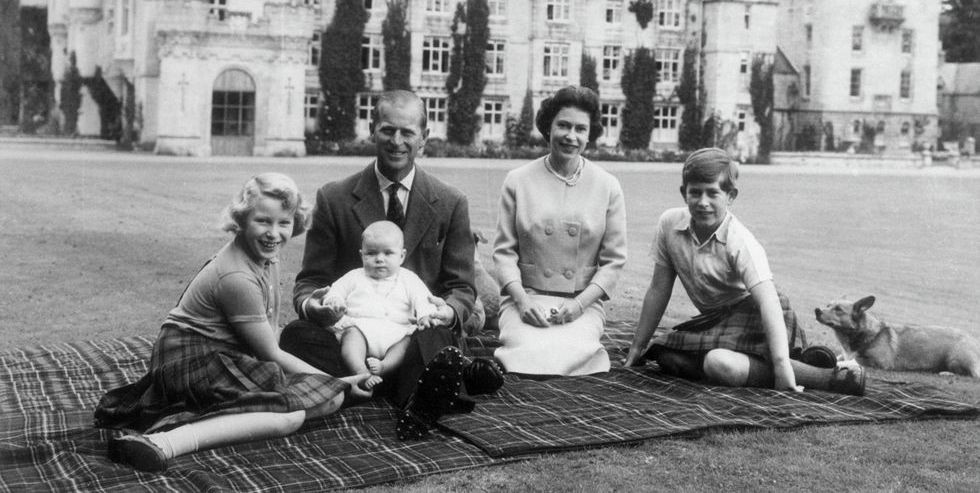 Xem 25 bức ảnh chân dung của Hoàng gia Anh, bạn sẽ hiểu thêm về 8 thế hệ của gia đình quyền lực này - Ảnh 10.