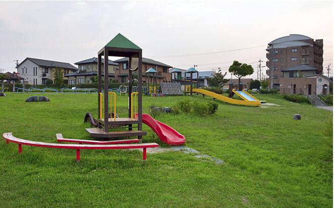 Nắng nóng kỷ lục ở Nhật, bé trai 6 tuổi tử vong sau khi đi chơi công viên vì say nắng - Ảnh 1.