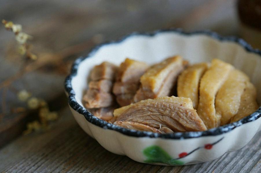 Làm cách này bạn sẽ khử được hoàn toàn mùi hôi và có món thịt vịt luộc ngon tuyệt đối - Ảnh 8.