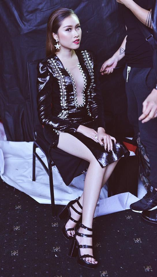 Những hình ảnh nóng bỏng của nữ MC du lịch chân dài mét mốt, được đánh giá quyến rũ nhất nhì đài VTV - Ảnh 14.