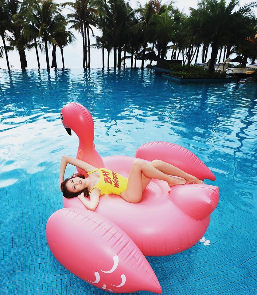 Những hình ảnh nóng bỏng của nữ MC du lịch chân dài mét mốt, được đánh giá quyến rũ nhất nhì đài VTV - Ảnh 13.