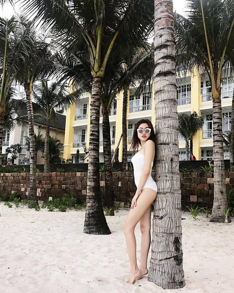 Những hình ảnh nóng bỏng của nữ MC du lịch chân dài mét mốt, được đánh giá quyến rũ nhất nhì đài VTV - Ảnh 22.