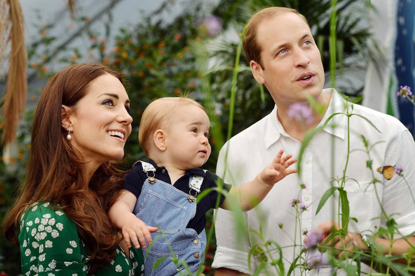Hơn 40 bức ảnh ghi lại những khoảnh khắc cực đáng yêu cho thấy hành trình lớn lên của Hoàng tử George trong 5 năm đầu đời - Ảnh 8.