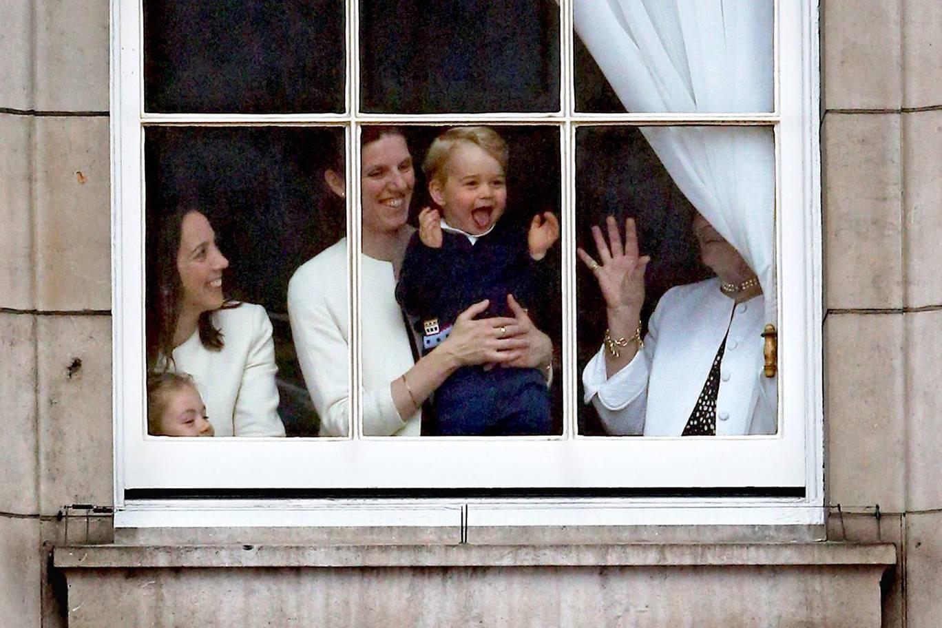 Hơn 40 bức ảnh ghi lại những khoảnh khắc cực đáng yêu cho thấy hành trình lớn lên của Hoàng tử George trong 5 năm đầu đời - Ảnh 12.