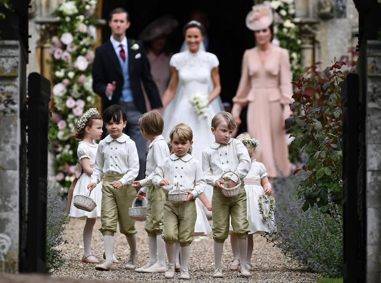 Hơn 40 bức ảnh ghi lại những khoảnh khắc cực đáng yêu cho thấy hành trình lớn lên của Hoàng tử George trong 5 năm đầu đời - Ảnh 27.