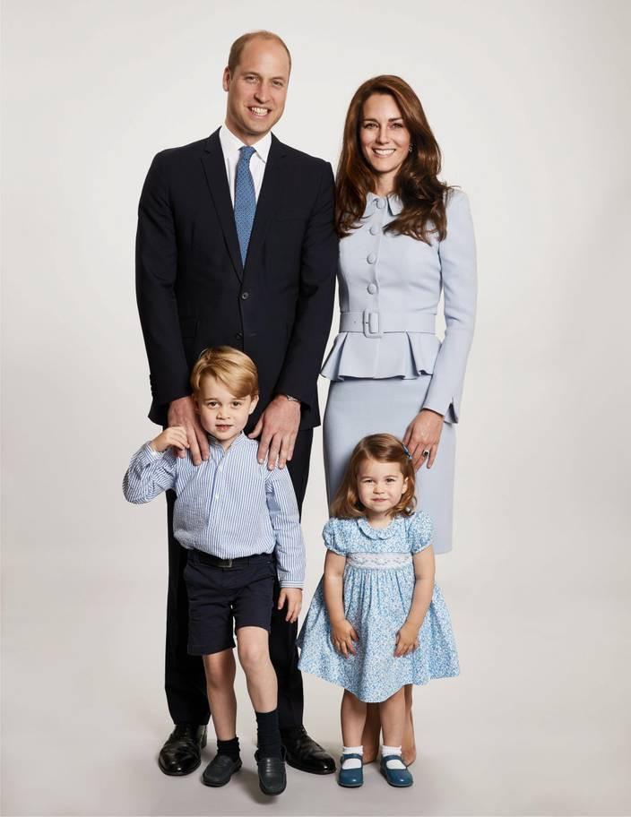 Hơn 40 bức ảnh ghi lại những khoảnh khắc cực đáng yêu cho thấy hành trình lớn lên của Hoàng tử George trong 5 năm đầu đời - Ảnh 30.