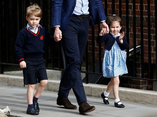 Hơn 40 bức ảnh ghi lại những khoảnh khắc cực đáng yêu cho thấy hành trình lớn lên của Hoàng tử George trong 5 năm đầu đời - Ảnh 32.
