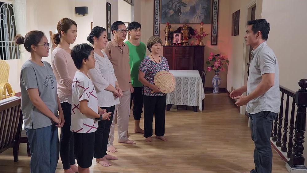 Bất ngờ với bình luận tiêu cực về bà Mai trong clip con rể cõng mẹ vợ ở hậu trường Gạo Nếp Gạo Tẻ - Ảnh 1.