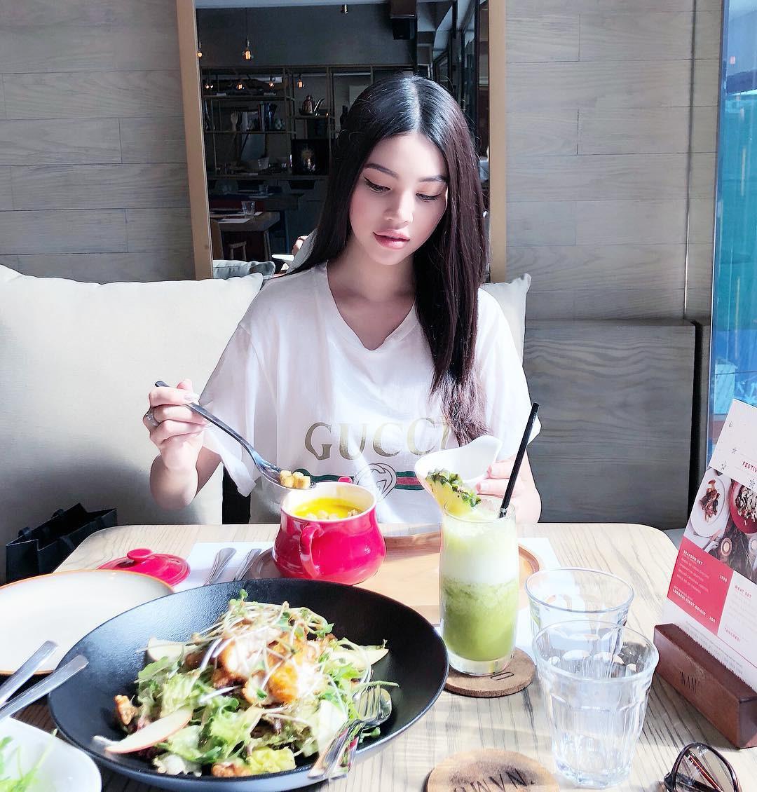 Học ngay bí quyết ăn uống giúp Hoa hậu Jolie Nguyễn sở hữu được vòng eo con kiến thuộc top nhỏ nhất trong làng giải trí - Ảnh 2.