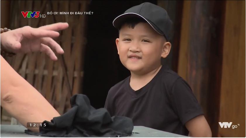 Bố ơi: Nguyễn Hải Phong mặt méo xệch khi bị lừa chạm vào... con ếch - Ảnh 2.