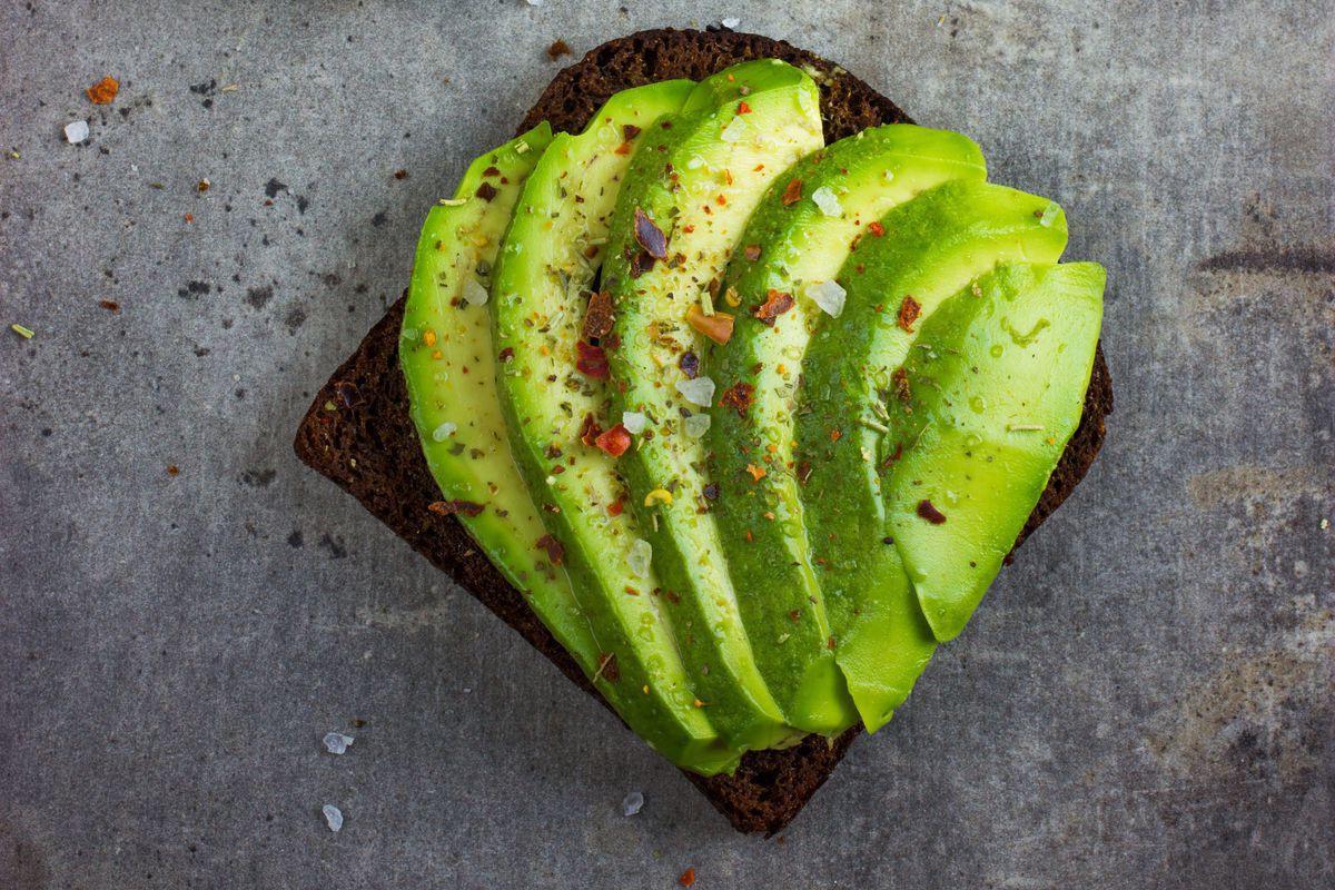 Muốn giảm cân nhanh và an toàn cho sức khỏe, hãy thường xuyên bổ sung những thực phẩm này - Ảnh 4.