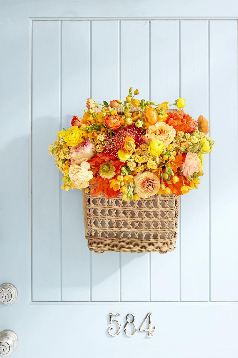 9 cách tận dụng đồ cũ làm hoa treo vừa xinh đẹp vừa tiết kiệm để trang trí trước cửa nhà   - Ảnh 5.