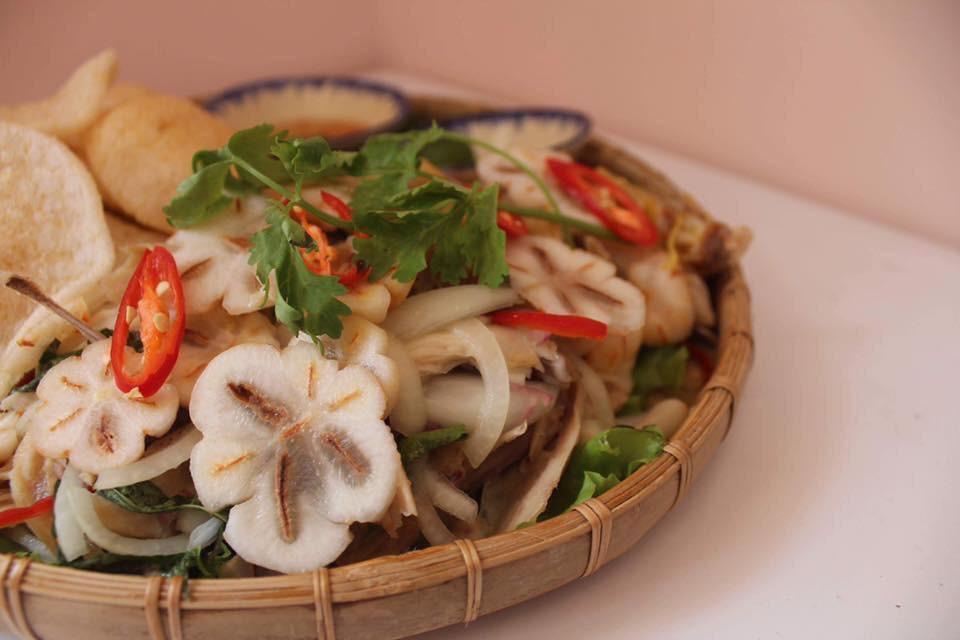 Ở vùng miệt vườn cách Sài Gòn không xa có một món gỏi vô cùng độc đáo làm từ quả măng cụt, bạn đã thử chưa? - Ảnh 1.