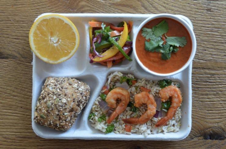 Thực đơn phong phú trong bữa trưa của học sinh ở khắp nơi trên thế giới - Ảnh 3.