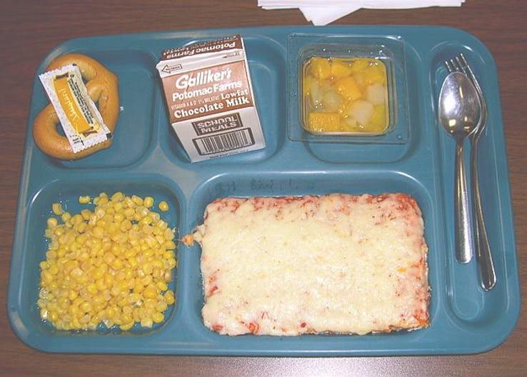 Thực đơn phong phú trong bữa trưa của học sinh ở khắp nơi trên thế giới - Ảnh 18.