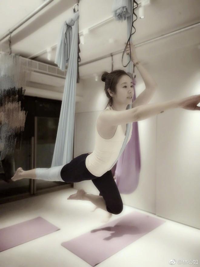 Đua với Triệu Vy, Lâm Tâm Như quyết tâm tập luyện và ăn uống healthy để sở hữu vóc dáng đẹp - Ảnh 4.