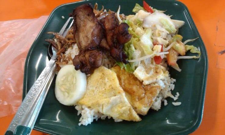 Thực đơn phong phú trong bữa trưa của học sinh ở khắp nơi trên thế giới - Ảnh 14.
