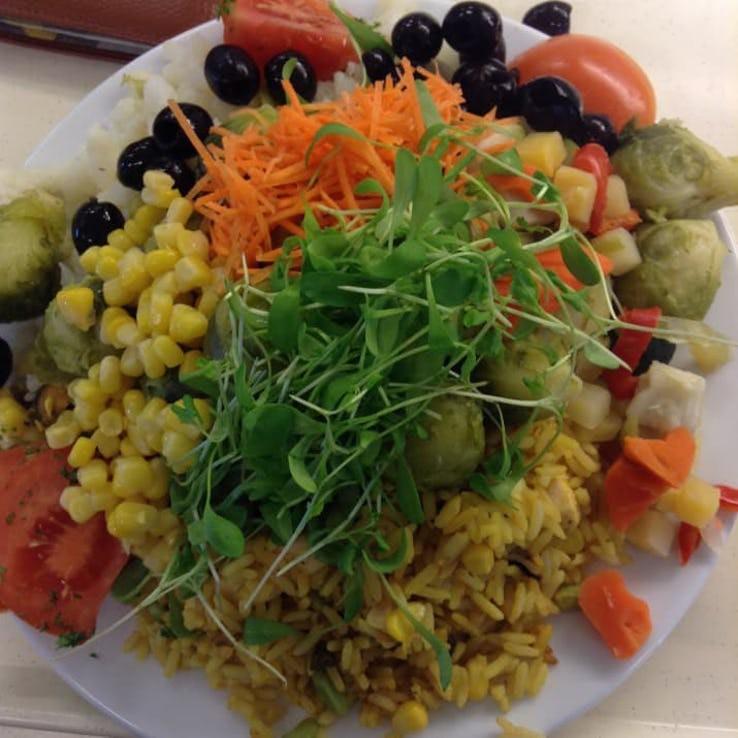 Thực đơn phong phú trong bữa trưa của học sinh ở khắp nơi trên thế giới - Ảnh 6.