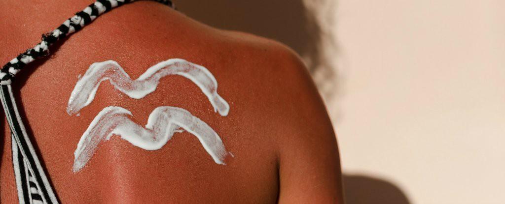 Chuyên gia cảnh báo: hầu hết chúng ta đang mắc phải sai lầm nghiêm trọng khi dùng kem chống nắng - Ảnh 1.