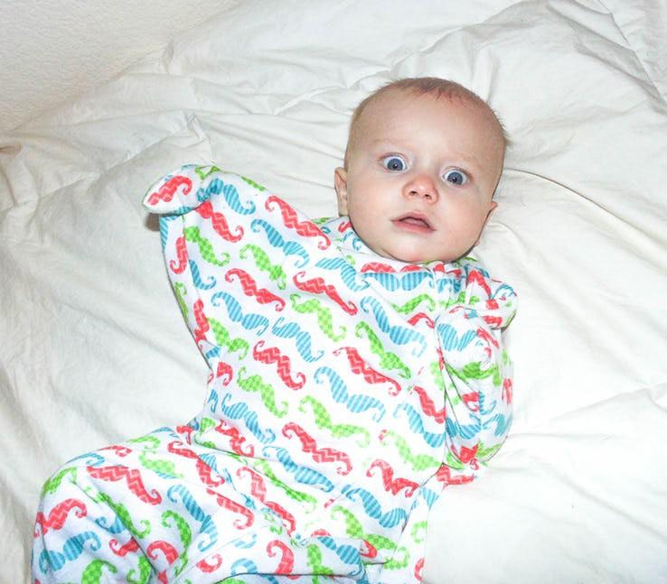 Những biểu hiện của trẻ sơ sinh tưởng là bình thường nhưng thực ra nó cho thấy trẻ đang bất ổn - Ảnh 11.