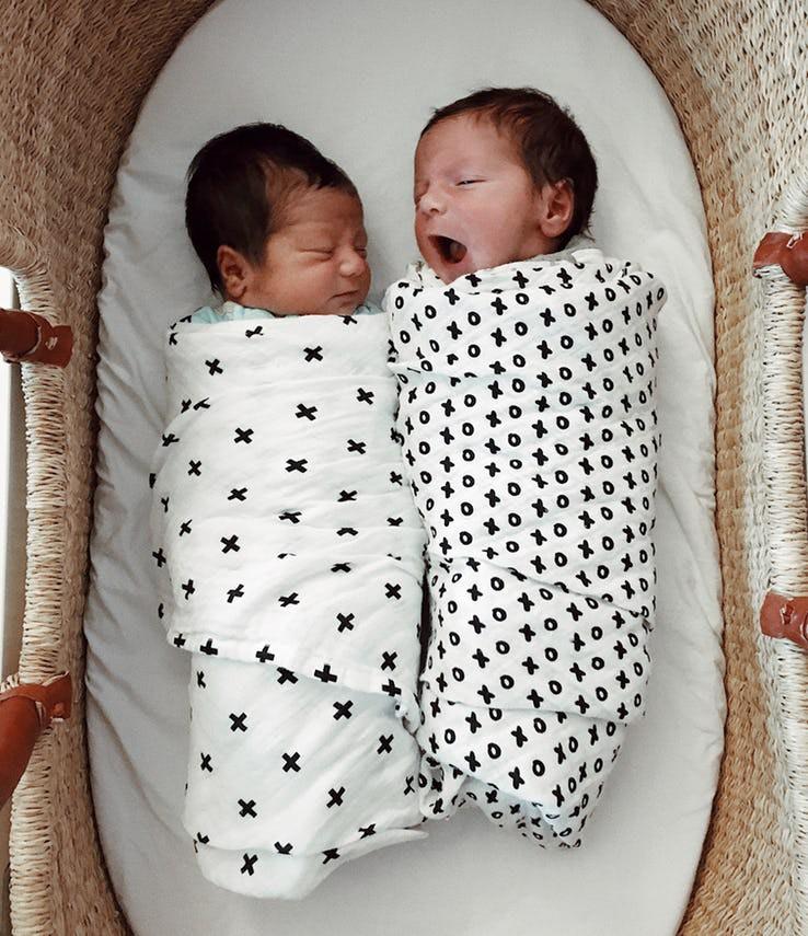 Những biểu hiện của trẻ sơ sinh tưởng là bình thường nhưng thực ra nó cho thấy trẻ đang bất ổn - Ảnh 12.