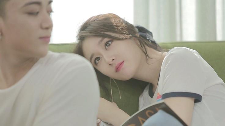 Soobin Hoàng Sơn tình tứ với mỹ nhân xứ Hàn Ji Yeon khiến fan ghen tị - Ảnh 3.