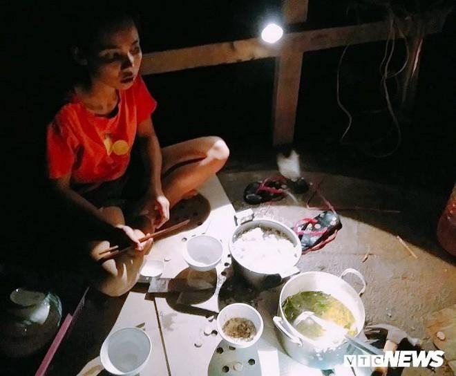 Ảnh: Cảnh hoang tàn tại nơi ở của người Việt sau thảm họa vỡ đập thủy điện ở Lào - Ảnh 8.