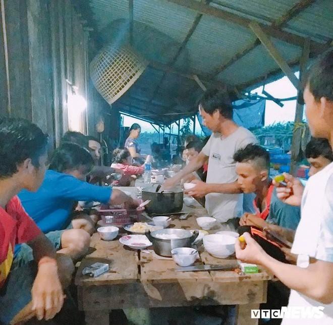 Ảnh: Cảnh hoang tàn tại nơi ở của người Việt sau thảm họa vỡ đập thủy điện ở Lào - Ảnh 9.
