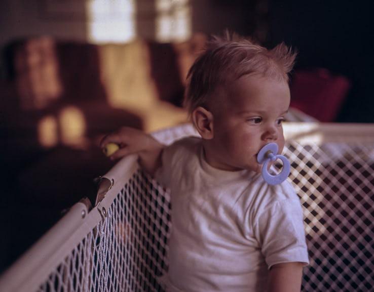 Những biểu hiện của trẻ sơ sinh tưởng là bình thường nhưng thực ra nó cho thấy trẻ đang bất ổn - Ảnh 15.