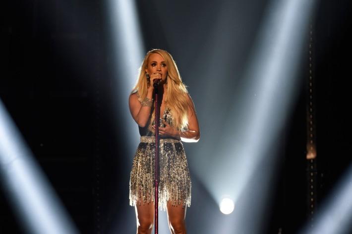 Học hỏi Carrie Underwood những bí quyết giữ dáng để cơ thể luôn săn chắc, thon gọn thu hút mọi ánh nhìn - Ảnh 1.