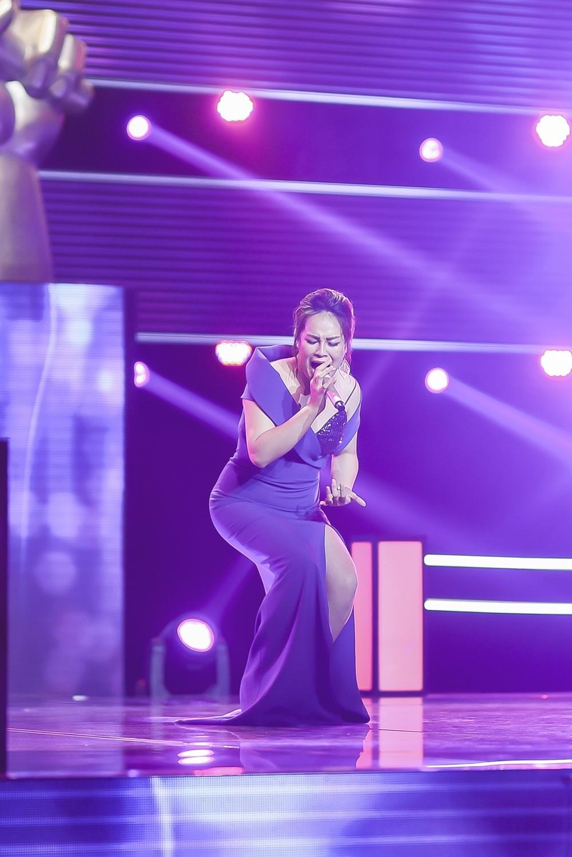 The Voice 2018: Noo Phước Thịnh rưng rưng nước mắt vì lần nữa đưa ra lựa chọn sai lầm - Ảnh 2.