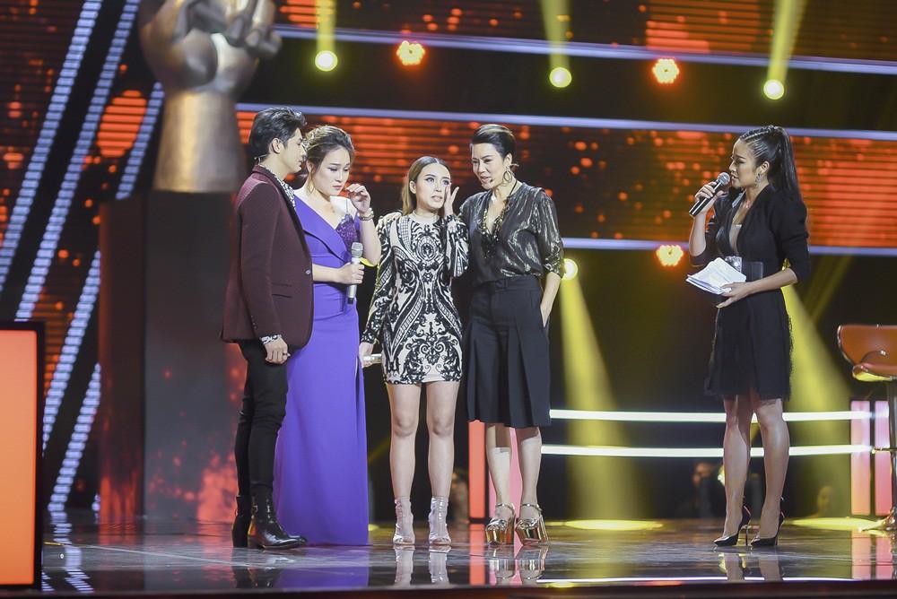 The Voice 2018: Noo Phước Thịnh rưng rưng nước mắt vì lần nữa đưa ra lựa chọn sai lầm - Ảnh 1.