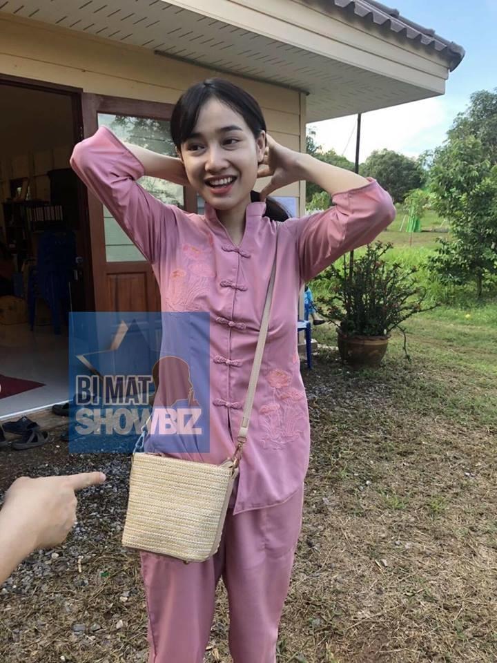 Bỏ vai Hậu duệ mặt trời, Nhã Phương sang Thái Lan tu, rò rỉ thông tin chưa chia tay Trường Giang - Ảnh 3.