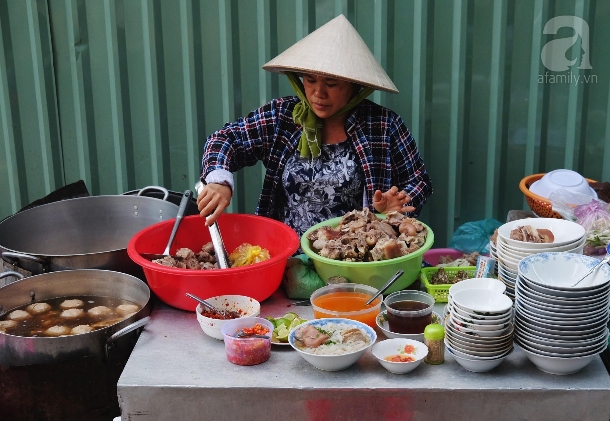 3 quán bánh canh nổi tiếng là tấp nập khách, tốc độ hết hàng rất nhanh ở Sài Gòn  - Ảnh 6.