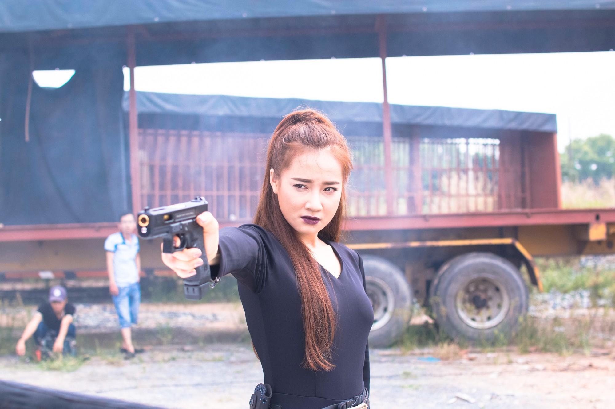 Lộ thêm hình ảnh Nhã Phương trên phim trường sau 2 tháng mất tích: Tăng cân rõ rệt, thậm chí lộ cả bụng mỡ - Ảnh 3.