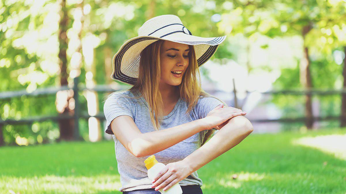 Chuyên gia da liễu khuyên bạn nên làm 5 điều này hàng ngày để làn da luôn khỏe mạnh - Ảnh 4.