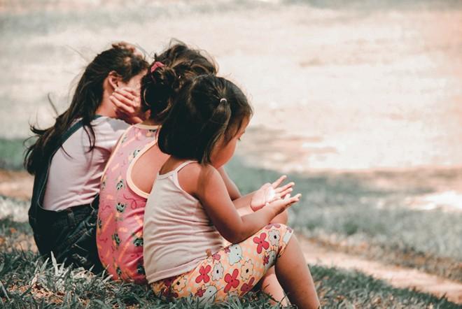Muốn biết con có chỉ số cảm xúc EQ cao hay không, bố mẹ hãy để ý 3 thói quen này - Ảnh 3.
