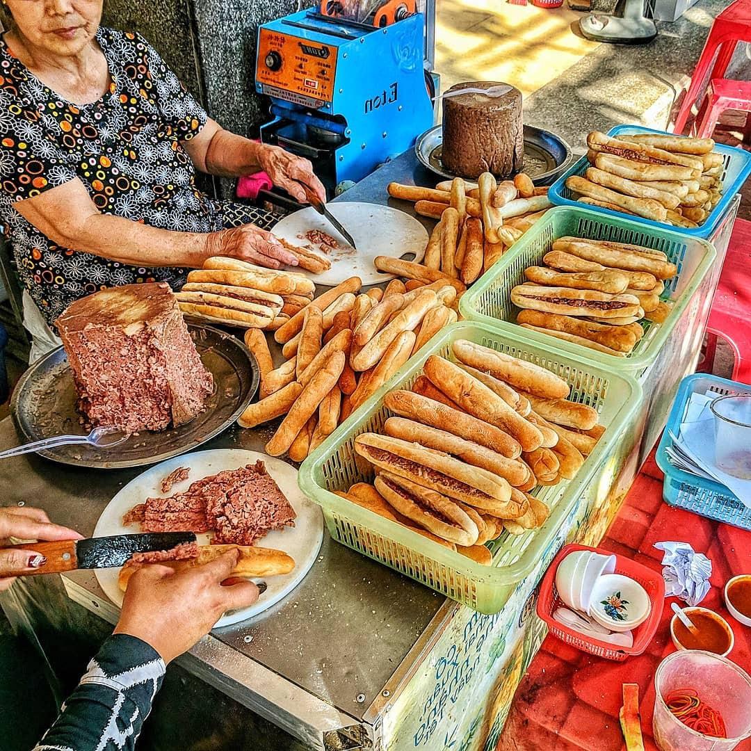 Các đặc sản vùng miền vô cùng được giới sành ăn Hà Nội săn đón  - Ảnh 5.