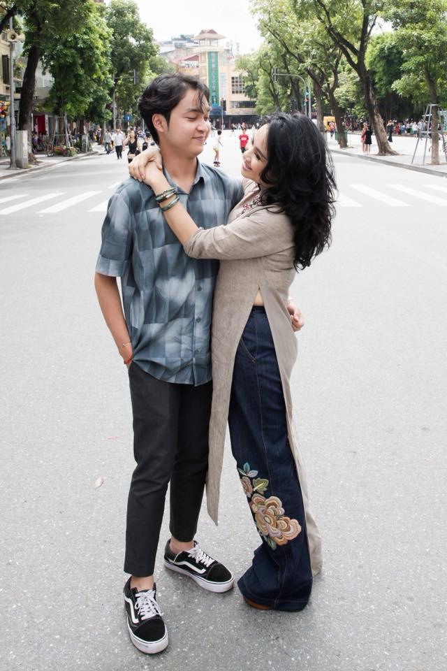 Hai con của Thanh Lam lớn bổng bên mẹ và bà ngoại trong bộ ảnh Ba thế hệ  - Ảnh 7.