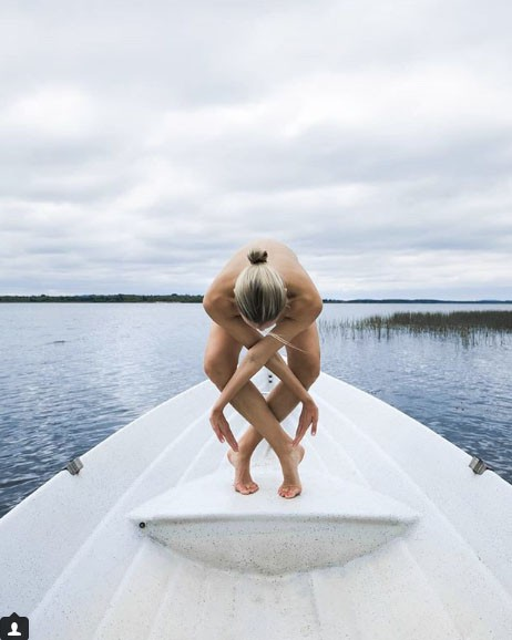 Chia sẻ của người đẹp tập yoga khỏa thân đang gây sốt trên mạng xã hội và thông điệp tuyệt vời mà cô muốn truyền tải - Ảnh 3.