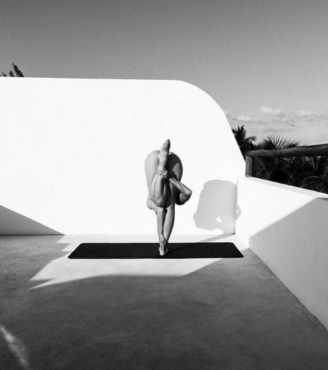Chia sẻ của người đẹp tập yoga khỏa thân đang gây sốt trên mạng xã hội và thông điệp tuyệt vời mà cô muốn truyền tải - Ảnh 4.