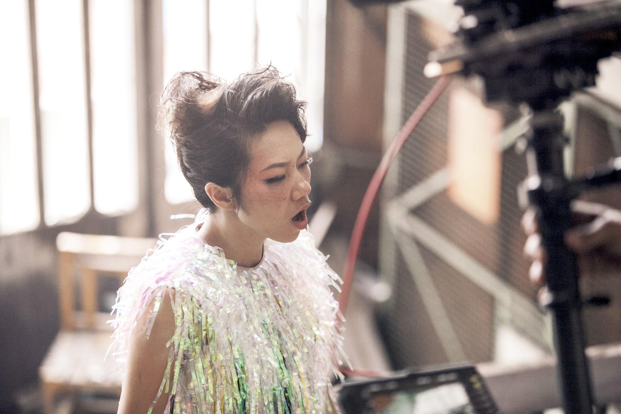 Diva Hà Trần ma mị, mơ về những điều không tưởng  - Ảnh 8.