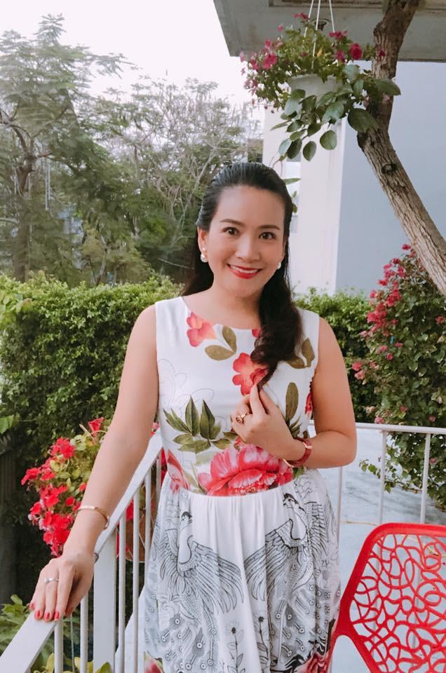 Vừa để lộ nhan sắc thật già nua, Anh Thơ vợ diễn viên Bình Minh lại vướng nghi án gọt cằm nhọn hoắt - Ảnh 5.