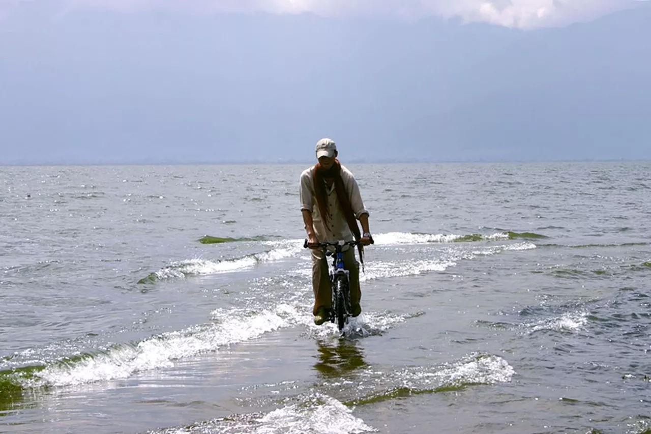 Ông bố trẻ vì gia đình, bỏ cuộc sống phiêu du về quê thuê trang trại 166 nghìn m² trồng rau, thả cá - Ảnh 2.