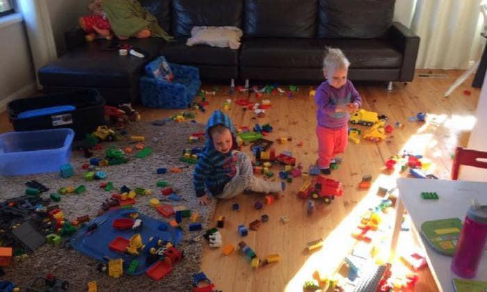 """Cha mẹ hãy """"cảnh giác"""" bởi chỉ cần 1 phút lơ là, bọn trẻ có thể """"phá"""" tan hoang nhà cửa   - Ảnh 8."""