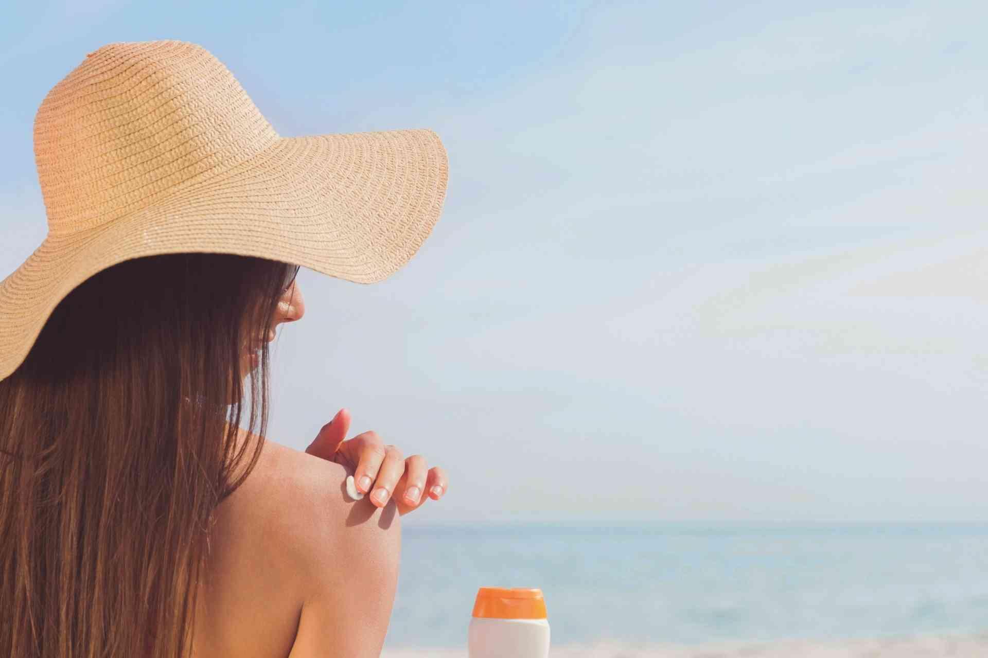 Nắng nóng trên 40 độ C, đừng quên làm 6 việc để tránh bệnh liên quan đến nhiệt như say nắng, kiệt sức - Ảnh 7.