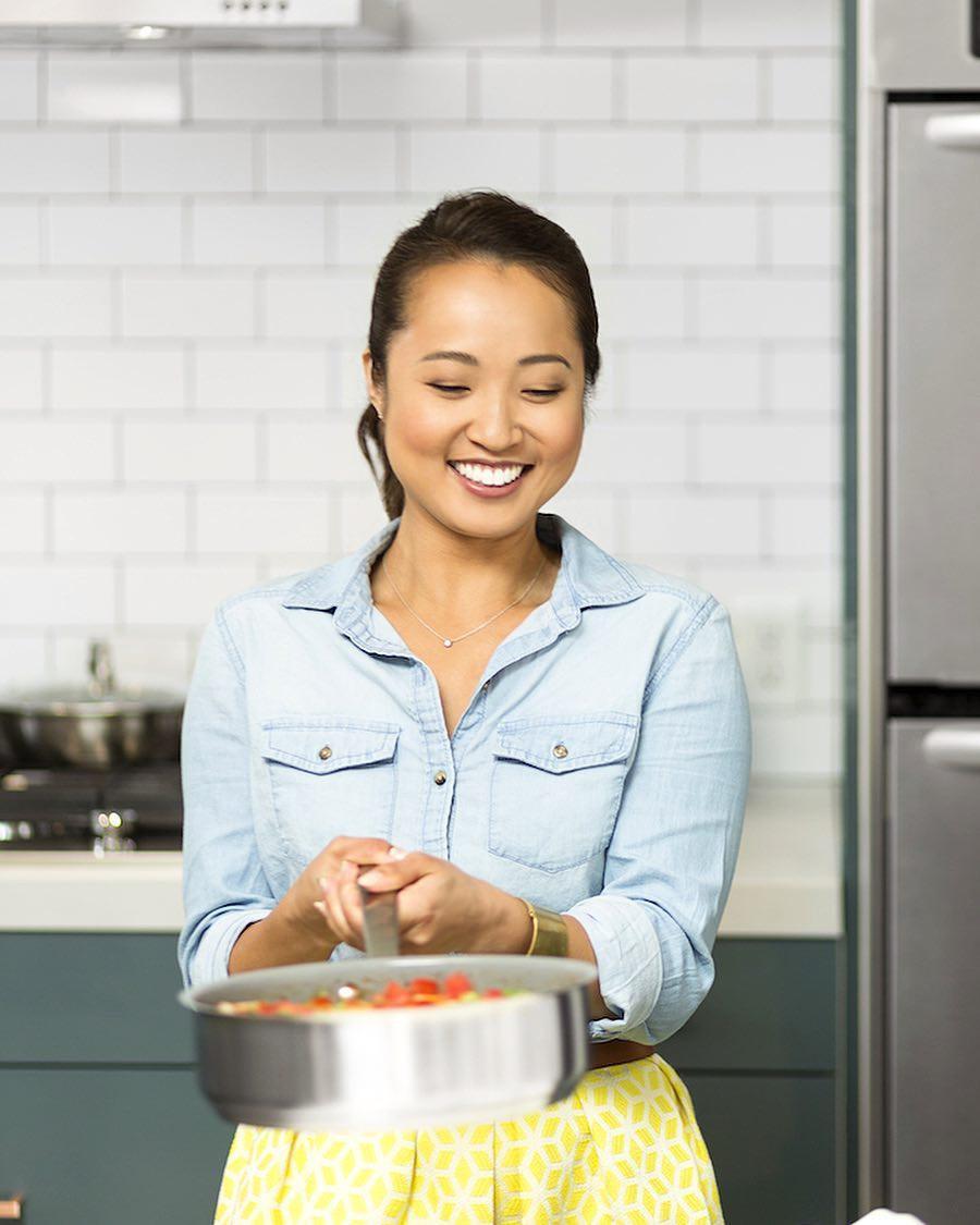 Gặp gỡ cô nàng food blogger xinh tươi nổi tiếng thế giới, nấu toàn món ăn lành mạnh lại cực dễ làm - Ảnh 5.