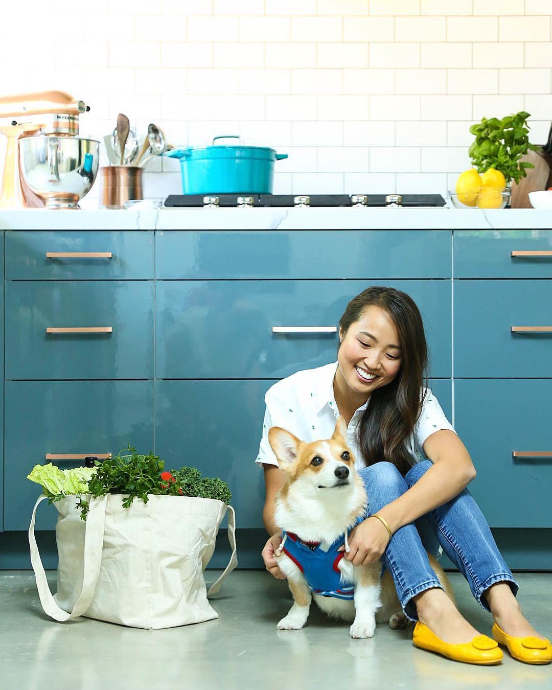 Gặp gỡ cô nàng food blogger xinh tươi nổi tiếng thế giới, nấu toàn món ăn lành mạnh lại cực dễ làm - Ảnh 1.