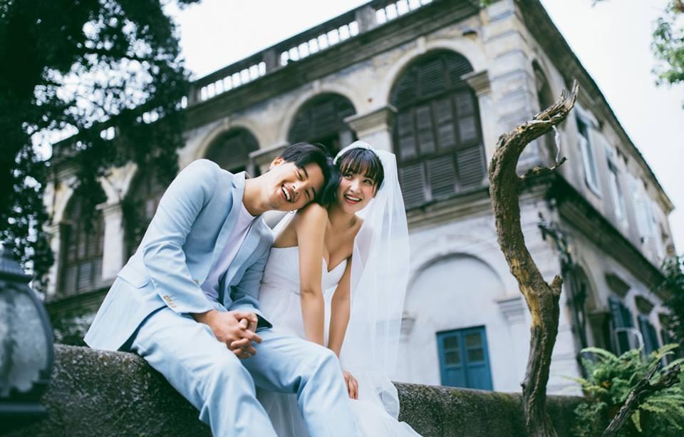 Ảnh cưới đơn giản nhưng vẫn khiến người xem lịm tim vì cô dâu và chú rể quá tình - Ảnh 11.